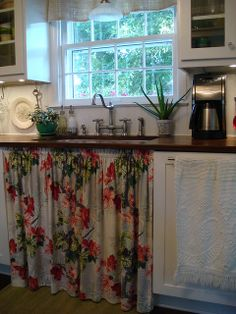 Sink skirt from vintage fabric