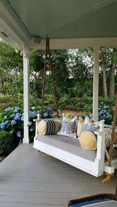 front porch decor ideas - Porches have their background in very early America and are frequently related to a simpler time and lifestyle, Best Rustic Farmhouse Front And Back Porch Designs Ideas Modern Farmhouse Porch, Farmhouse Front Porches, Farmhouse Style, Farmhouse Landscaping, Farmhouse Decor, Farmhouse Ideas, Farmhouse Porch Swings, Modern Porch, Country Porches