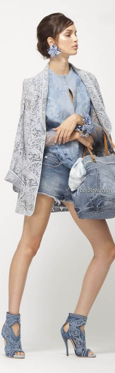 Denim and jeans / karen cox. Ermanno Scervino Spring 2013 love the shoes Love Jeans, Jeans Style, Denim Fashion, High Fashion, Womens Fashion, Mode Shorts, Estilo Jeans, Ermanno Scervino, Look Chic