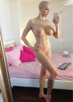 Bald naked sexy women picture