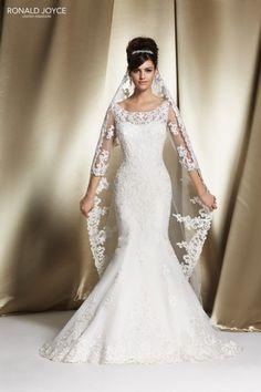 Risultati immagini per vestiti da sposa 2015 principessa con velo