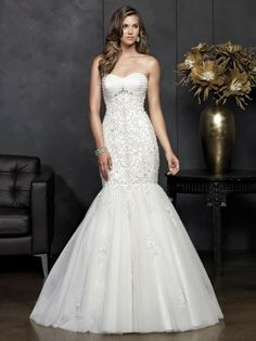 The Best Gowns from The Most In-Demand Wedding Dress Designers Part 9. http://www.modwedding.com/2014/03/03/the-best-wedding-dress-designers-part-9/ #wedding #weddings #fashion