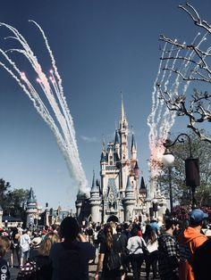 Orlandoooo! Disney Vacations, Disney Trips, Disney Parks, Walt Disney World, Disney Pixar, Orlando Disney, Disney Worlds, Disney World Pictures, Disney Aesthetic