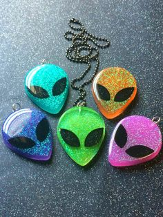 Glitter Alien Resin Pendant / Creepy Cute Soft Grunge
