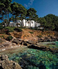 Casa en Mallorca. España. Fotografía © FG+SG fotografia de arquitectura. Cortesía de TASCHEN. Señala encima de la imagen para verla más grande.