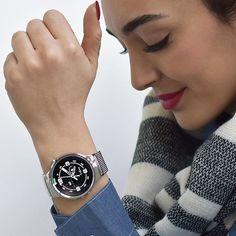 #HUAWEI #Watch #HuaweiWatch Mehr Infos zu der HUAWEI Watch findest du hier: http://www.fashiontouchestechnology.com/de/watch