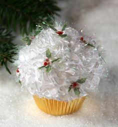 Adorable! And there is a section that shows how to make an easy flower with ribbon and a button--very simple