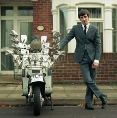Mod and scooter Mod Scooter, Lambretta Scooter, Mod Fashion, 1960s Fashion, Fred Perry Polo, Tailor Made Suits, Fishtail Parka, Mod Girl, 60s Mod