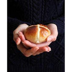 Hot cross buns | The Art of cupcakes