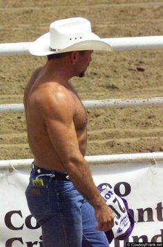 There is something about a shirtless man in a cowboy hat that just melts my butter.  Love them cowboys!