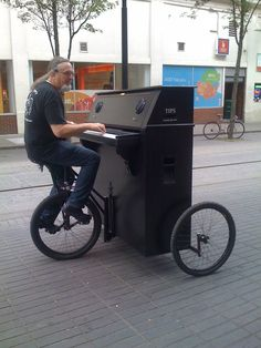 Very Cool Pianobike http://pinterest.com/cameronpiano
