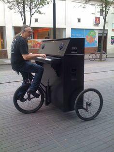 PIANO BIKE, HOW COOL!!