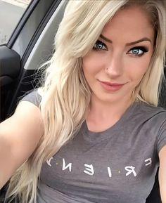 Wwe Alexa Bliss Instagram, Wwe Outfits, Becky Wwe, Alexis Bliss, Wwe Girls, Wwe Ladies, Lexi Kaufman, Wwe Female Wrestlers, Raw Women's Champion
