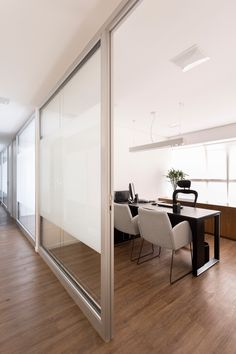 ideas corporate glass door design for 2019 Law Office Decor, Modern Office Decor, Office Plan, Office Lobby, Glass Office, Office Workspace, Open Concept Office, Open Office Design, Dental Office Design