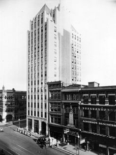 The Protective Life Insurance building (later Liberty National Life Insurance) in downtown Birmingham, Alabama, 1927.