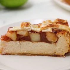 Apple Pie Cheesecake // #cheesecake #pie #applepie #dessert #Tasty