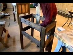 How to Build a Rustic Cooler Box from Old/Used Recycled Pallets: Woodworking Pro. - to watch - Pallet Pallet Cooler, Wood Cooler, Cooler Box, Barn Wood Projects, Pallet Projects, Pallet Ideas, Craft Projects, Recycled Pallets, Wood Pallets
