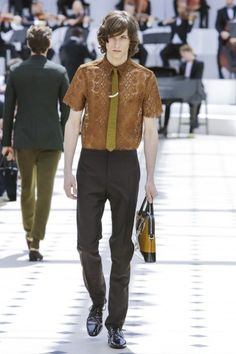Watch the @Burberry Prorsum Menswear show live
