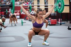 Camille Leblanc-Bazinet. Squat snatch is FLAWLESS. #inspiration