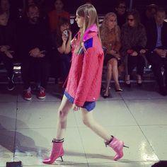 Pink lady #MiuMiu #PFW (à Conseil Économique et Social)