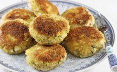 Przepis na proste kotlety jajeczne. Kotlety z gotowanych na twardo jajek z dodatkiem koperku. To bardzo delikatne kotleciki, które polecam dzieciom. Można je wzbogacić o dodatek sera, ryż i pieczarki. Recipies, Muffin, Yummy Food, Favorite Recipes, Breakfast, Recipes, Morning Coffee, Delicious Food, Cupcakes