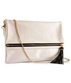 Great clutch, great price. It will take you from day to night