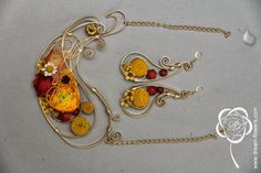 floral necklace and earnings