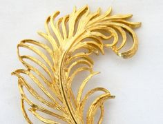 """Vintage Curled Leaf Feather Statement Brooch Gold Tone 2.5"""", Coat Pin, Sweater Pin, Fall Autumn Costume Jewelry, Free Shipping by DecoOwl on Etsy"""
