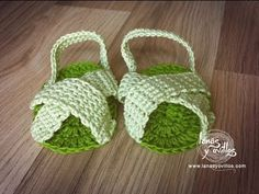 Cute Baby Sandals ~ tutorial is subtitled in English {http://www.lanasyovillos.com Tutorial de cómo hacer estas fáciles sandalias para bebé a crochet paso a paso en español. Encuentra este patrón y muchos más en http://www.lanasyovillos.com}