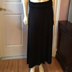 Lord & Taylor black maxiskirt Worn 2 times so comfortable petite medium Lord & Taylor Skirts Maxi