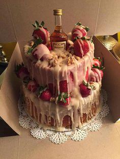 Hennessy Cake ♥ - Hennessy Cake ♥ Estás en el lugar correcto para diy clothes Aquí presentamos diy que está busca - Just Desserts, Delicious Desserts, Yummy Food, Cake Recipes, Snack Recipes, Dessert Recipes, Snacks, Hennessy Cake, Liquor Cake