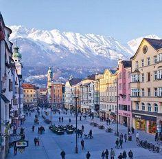 Innsbruck, Austria. HERMOSISIMA CIUDAD Y PAISAJE!!! ♥                                                                                                                                                      Más