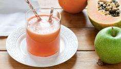 Centrifugato di mela verde, papaia e pompelmo