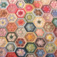 crochet hexagons 004