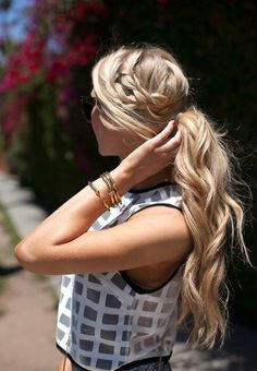 wanna give your hair a new look ? Ponytail Hairstyles is a good choice for you. Here you will find some super sexy Ponytail Hairstyles , Find the best one for you, Cute Haircuts, Haircuts For Long Hair, Girl Haircuts, Long Hair Cuts, Popular Haircuts, Straight Hair, Waitress Hairstyles For Long Hair, Long Hair With Layers, Long Blond Hair