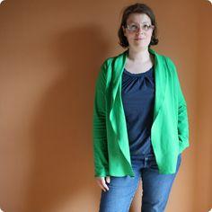 östereichisch: eine Weste Damit mich auch der Rest versteht: Eine Jacke nach eigenem Schnitt.