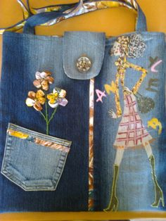 Liberty Flower Bag by Di Wells Denim Tote Bags, Denim Purse, Diy Tote Bag, Recycle Old Clothes, Jean Purses, Diy Bags Purses, Flower Bag, Denim Ideas, Denim Crafts