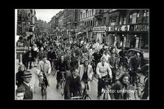 The type of transport you build for is the type of traffic you get. These pics show the same Copenhagen street in the with lots of bikes, in the & where bike culture was scrapped , & today where it's thriving again. Sustainable Transport, Urban Planning, Copenhagen, 1940s, Transportation, Bike, Culture, Street, Painting