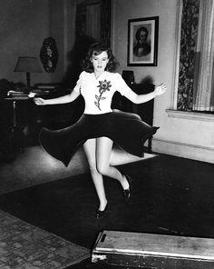 Judy Garland she kinda looks like me here