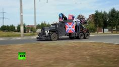 Desfile de vehículos militares de las autodefensas del este de Ucrania