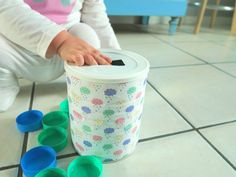 DIY bébé tirelire boite de lait bouchon à encastrer Baby Activities 1 Year, Infant Activities, Preschool Activities, Ice Breaker Games, Baby Play, Online Games, Kids And Parenting, Games For Kids, Cool Kids