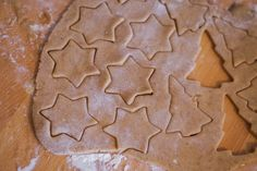 Gingerbread Cookies, Cookie Cutters, Food And Drink, Cooking Recipes, Sweets, Snacks, Baking, Christmas, Dios