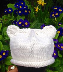 I am so pleased with how my first little baby hat turned out that I thought I would write up the pattern to share with anyone who wants to try their hand at knitting one. This would be an ideal pro… Baby Hat Knitting Patterns Free, Baby Hats Knitting, Knitted Hats, Free Pattern, Free Knitting, Knitting Projects, Crochet Projects, Knitting Ideas, Yarn Projects