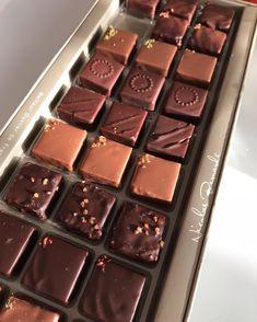 Aucun texte alternatif disponible. Chocolate Coffee, Chocolate Lovers, Nicolas Bernardé, Chocolates, Candy, Desserts, Food, Budget, Greedy People