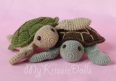 Crochet turtle pattern in Dutch. Crochet Turtle Pattern Free, Crochet Patterns Amigurumi, Amigurumi Doll, Free Pattern, Learn To Crochet, Diy Crochet, Crochet Toys, Crochet Ideas, Cute Little Things