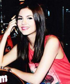 Pretty Victoria