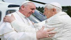 Presentata Lumen Fidei, prima #enciclica di Papa Francesco, redatta a quattro mani con Joseph Ratzinger. Una riflessione sull'amore e sulla natura dell'uomo. Di Carmela Portogallo.