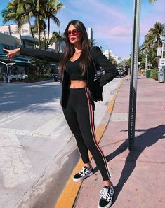 Ideas For Sport Style Photoshoot Fitness Apparel Basic Outfits, Sporty Outfits, Outfits For Teens, Girl Outfits, Cute Outfits, Fashion Outfits, Fashion Weeks, School Outfits, Sport Fashion