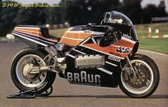 JJ Cobas K1000 1984 Montjuich 24 Horas, 122bhp 278km/h @ 9400rpm long stroke engine tuned by Eduardo Giro standard swing arm and drive train in Cobas frame. Bike later won Spanish superbike championship with Carlos Cardu riding.