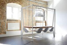 Swing Table, altalene in sala da pranzo! http://www.design-miss.com/swing-table-altalene-in-sala-da-pranzo/ Un tavolo con #altalene per arredare la sala da pranzo in modo giocoso e divertente!
